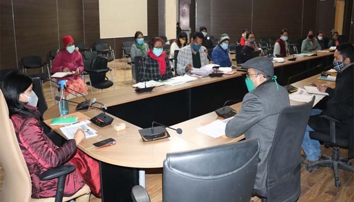 साल के आखिरी दिन जिलाधिकारी ने महिला सशक्तिकरण एवं बाल विकास विभाग की समीक्षा बैठक में अधिकारियों को दिए ये निर्देश