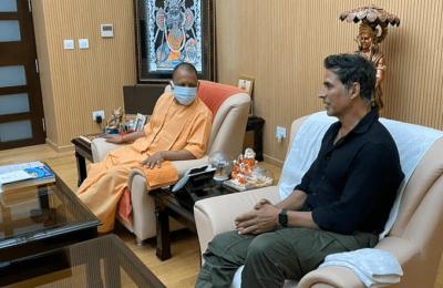 अपनी फिल्म रामसेतु के महूर्त के लिए अयोध्या पहुंचे फिल्म अभिनेता अक्षय कुमार ..योगी आदित्य नाथ से लखनऊ में की मुलाकात