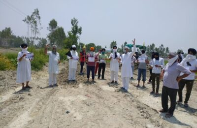 किसान आंदोलन के छह महीने पूरे ..हरीश पनेरू के नेतृत्व में किसानों ने काले झंडे लेकर किया प्रदर्शन