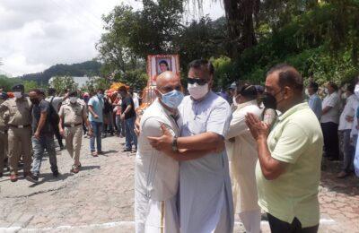 अंतिम दर्शन के लिए उमड़ी भीड़ ने बताई डाक्टर इंदिरा ह्रदयेश की सियासी ताकत..बीजेपी विधायक ठुकराल ने नेता प्रतिपक्ष को श्रद्धांजलि देते हुए कही ये बड़ी बात