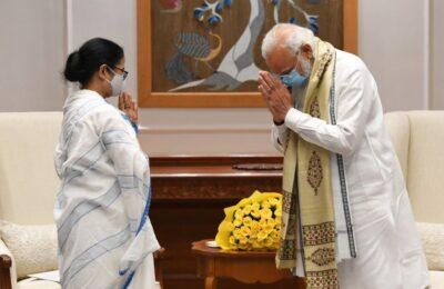 बंगाल चुनाव के बाद पीएम मोदी और सीएम ममता की पहली बार दिल्ली में हुई औपचारिक मुलाकात…दोनों नेताओं में इन विशेष मुद्दों पर हुई चर्चा
