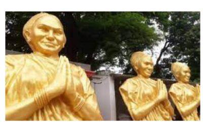 पढिए कैसे पश्चिमी उ. प्र. में जातिगत राजनीतिक समीकरण साधने के लिए कराई जा रही थी फूलन देवी की एंट्री..मौके पर पुलिस प्रशासन ने पहुंचकर रुकवाई मूर्ति की स्थापना।